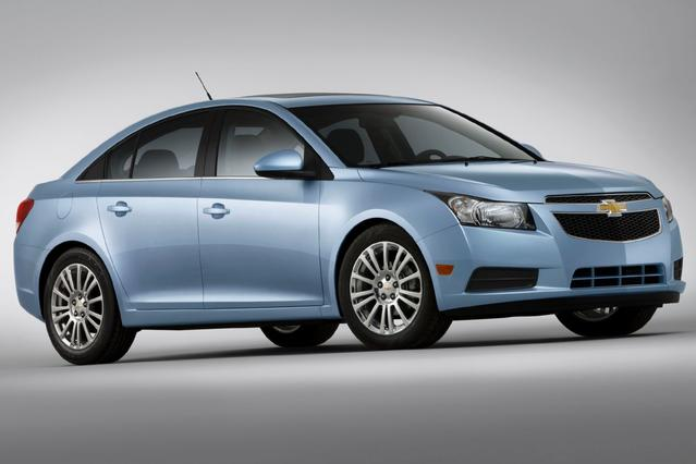 2013 Chevrolet Cruze 2LT Sedan Slide 0