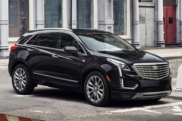 2017 Cadillac XT5 PREMIUM LUXURY FWD Sport Utility Slide 0