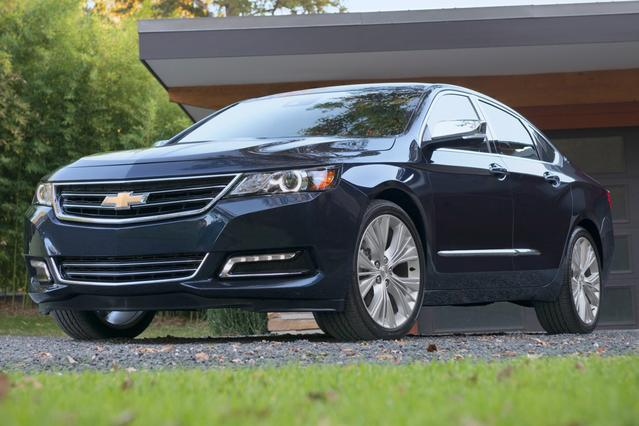 2017 Chevrolet Impala LT 4dr Car Slide 0