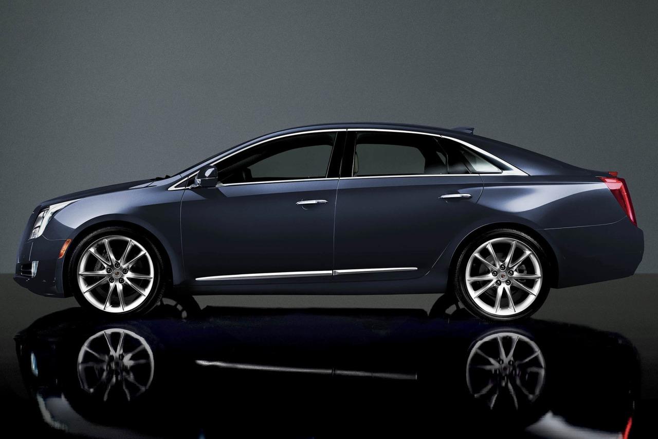 2016 Cadillac XTS LUXURY 4dr Car Slide 0
