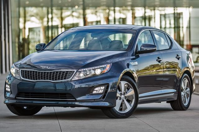 2014 Kia Optima LX 4dr Car Slide 0