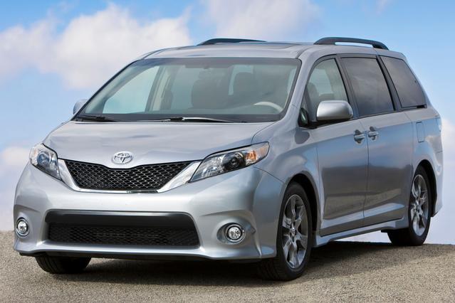 2014 Toyota Sienna XLE V6 8 PASSENGER Mini-van, Passenger Slide 0