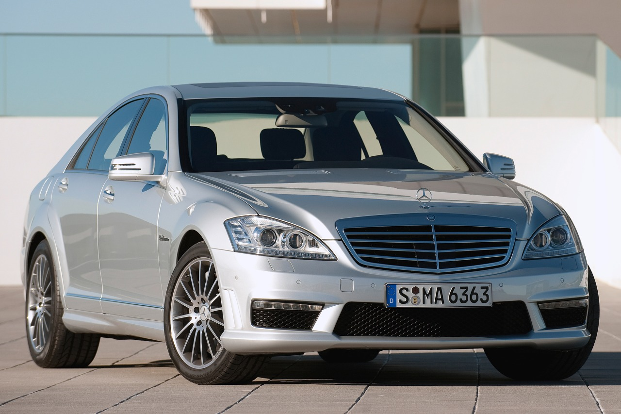 2010 Mercedes-Benz S-Class S 550 4dr Car Slide 0