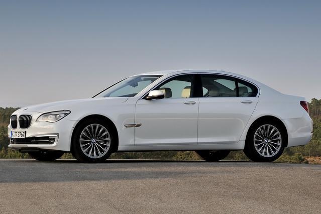 2013 BMW 750Li xDrive  4dr Car Slide 0