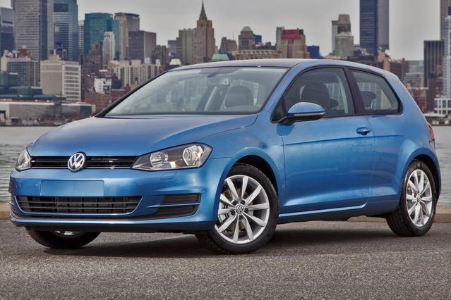2015 Volkswagen Golf TDI S Hatchback Slide 0