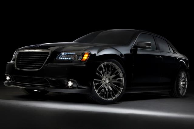 2014 Chrysler 300 300C Sedan Slide 0