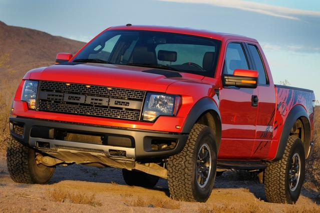 2010 Ford F-150 LARIAT Crew Pickup Slide 0