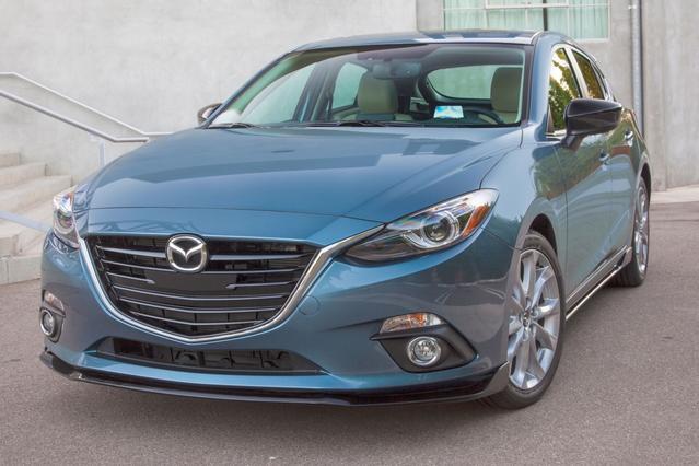 2016 Mazda Mazda3 I SPORT Hatchback Slide 0