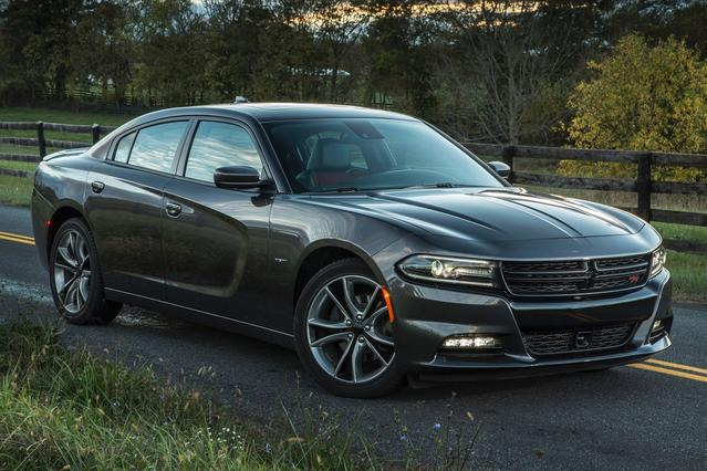 2016 Dodge Charger SXT 4D Sedan Slide 0