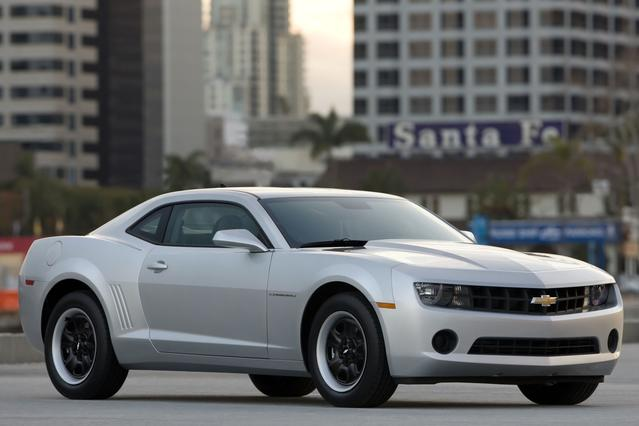 2013 Chevrolet Camaro 2LT 2dr Car Slide 0