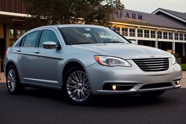 2013 Chrysler 200 TOURING Slide