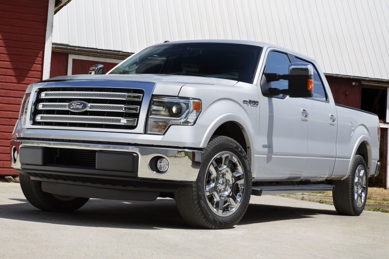 2013 Ford F-150 PLATINUM Crew Cab Pickup Slide 0