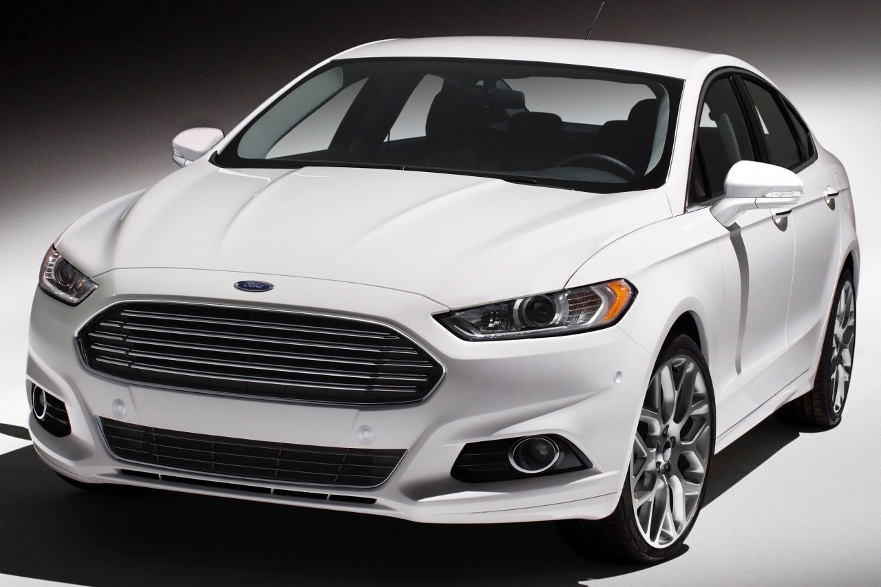 2015 Ford Fusion S 4dr Car Slide 0