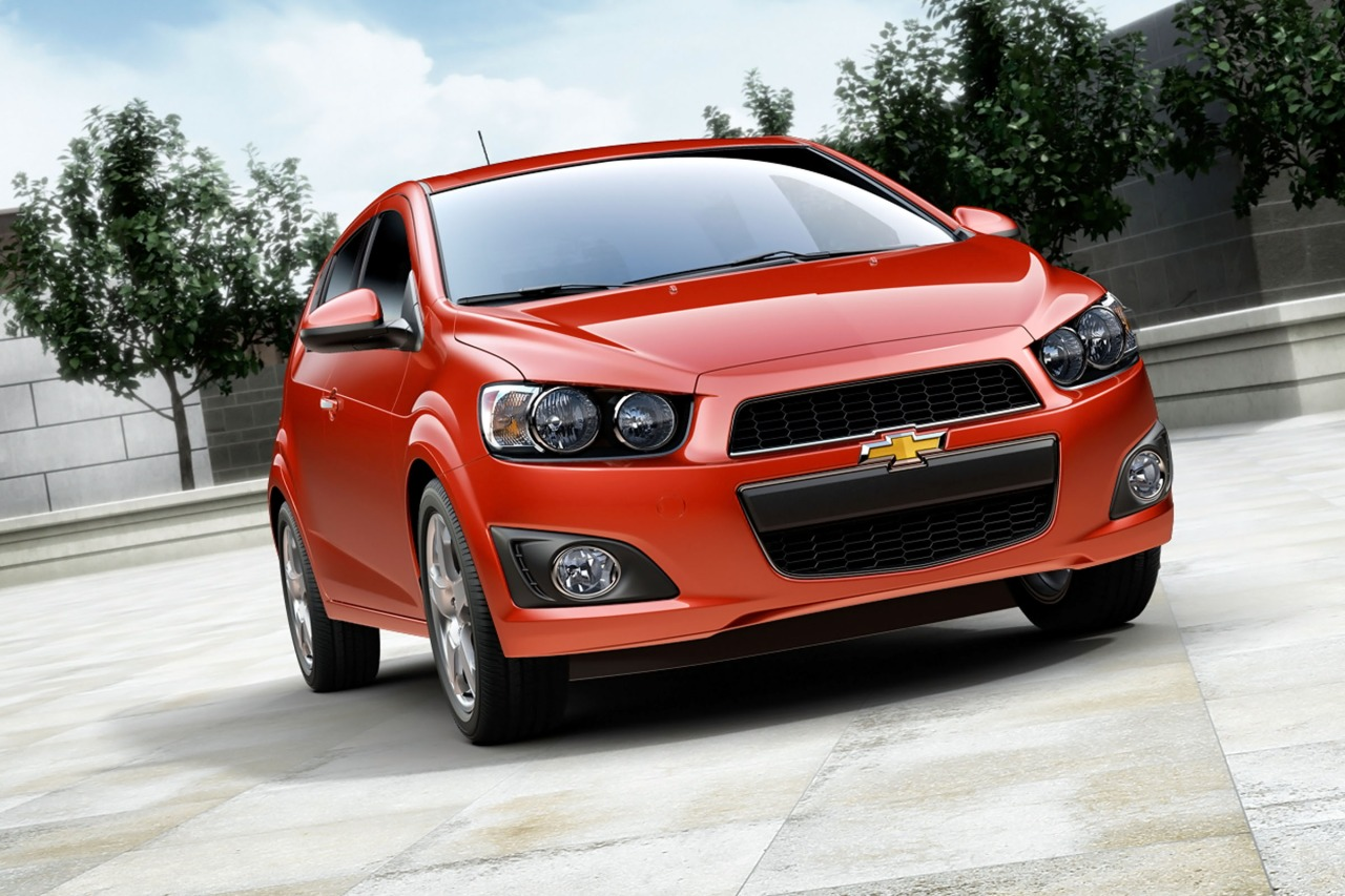 2016 Chevrolet Sonic LT 4dr Car Slide 0