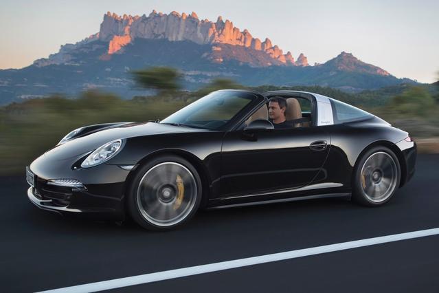 2014 Porsche 911 CARRERA S Coupe Slide 0