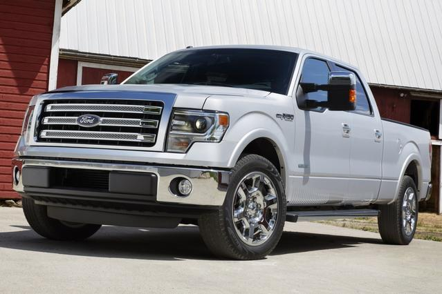 2014 Ford F-150 XLT Crew Cab Pickup Slide 0