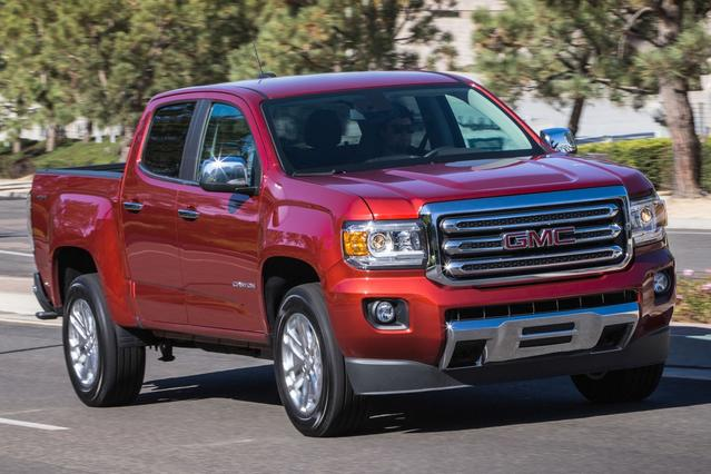2016 GMC Canyon 2WD SLE Crew Cab Pickup Slide 0