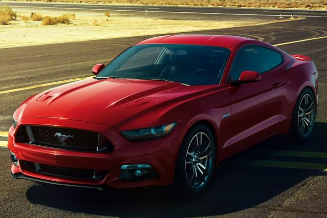 2016 Ford Mustang V6 Convertible Slide 0