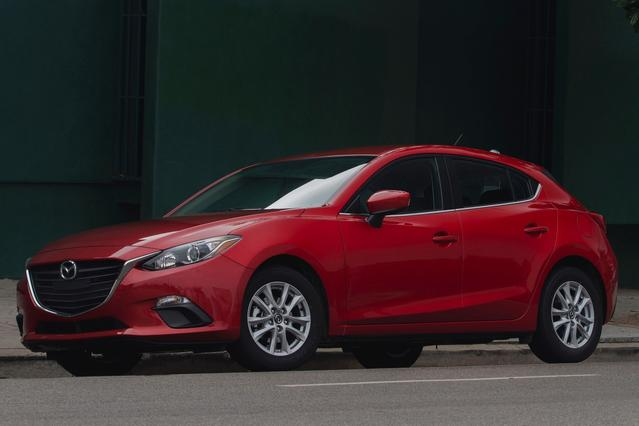 2015 Mazda Mazda3 I 4dr Car Slide 0