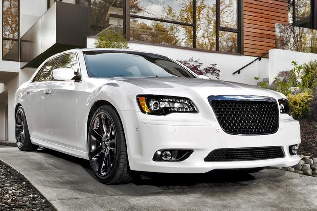 2014 Chrysler 300 S 4dr Car Slide 0