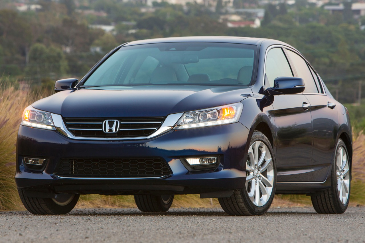 2013 Honda Accord EX 2dr Car Slide 0