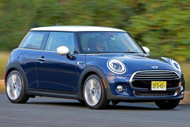 2015 MINI Cooper BASE Hatchback Slide 0