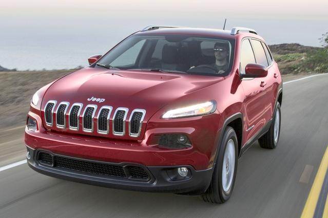 2015 Jeep Cherokee SPORT SUV Slide 0