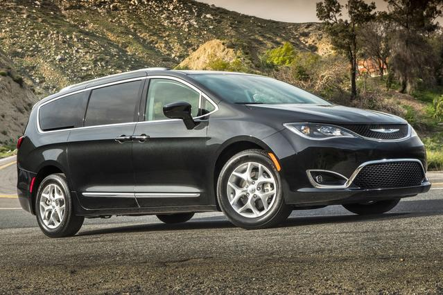 2017 Chrysler Pacifica TOURING L Minivan Hillsborough NC