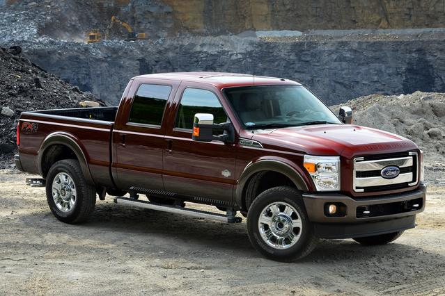2016 Ford Super Duty F-250 SRW LARIAT Crew Cab Pickup Slide 0