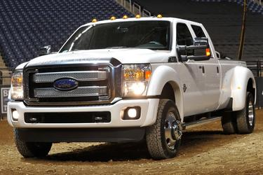 2016 Ford F-350SD LARIAT Crew Cab Pickup Slide