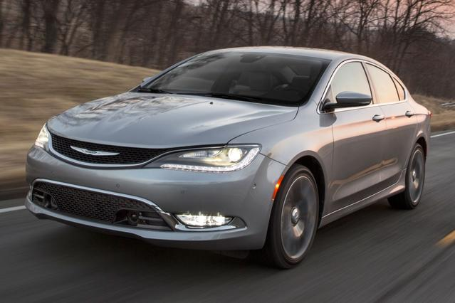 2016 Chrysler 200 LIMITED Sedan Slide 0