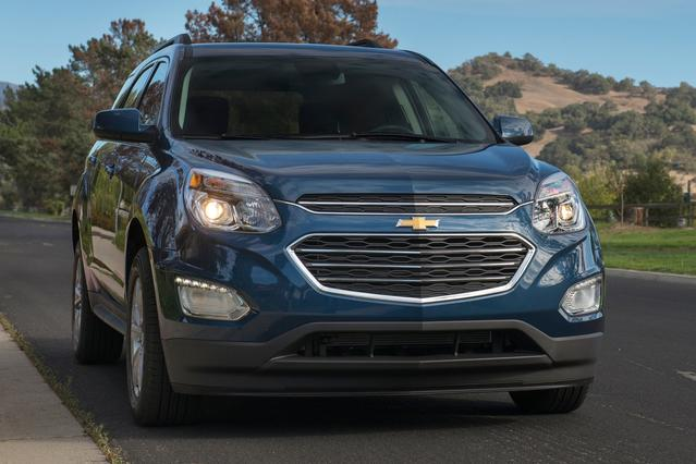 2016 Chevrolet Equinox Slide 0