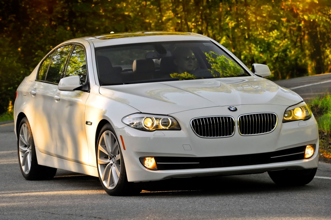 2013 BMW 5 Series 528I Slide 0