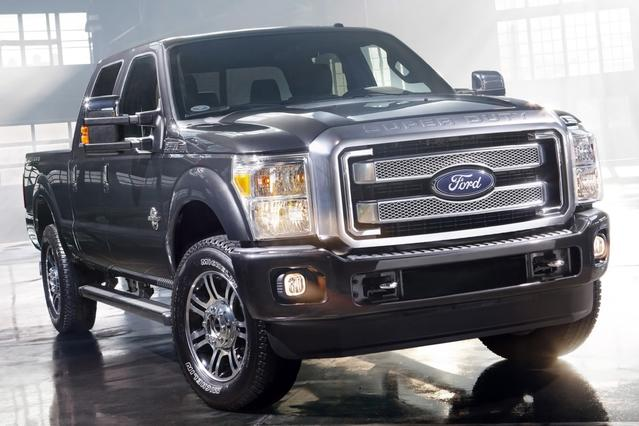 2015 Ford F-250SD LARIAT Crew Cab Pickup Slide 0