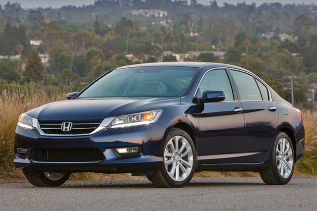 2015 Honda Accord SPORT Sedan Slide 0