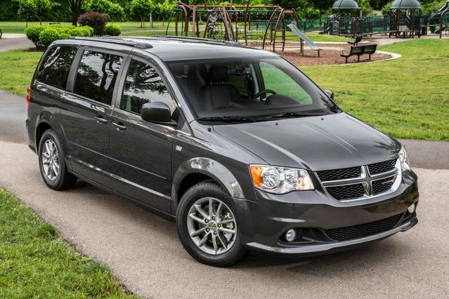 2014 Dodge Grand Caravan R/T Mini-van, Passenger Slide 0