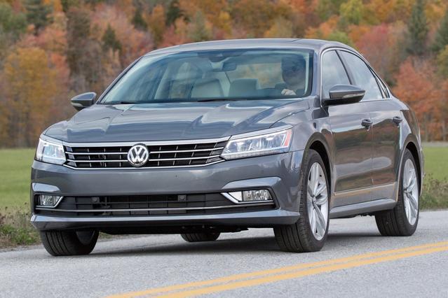 2016 Volkswagen Passat 1.8T SE 4dr Car Slide 0