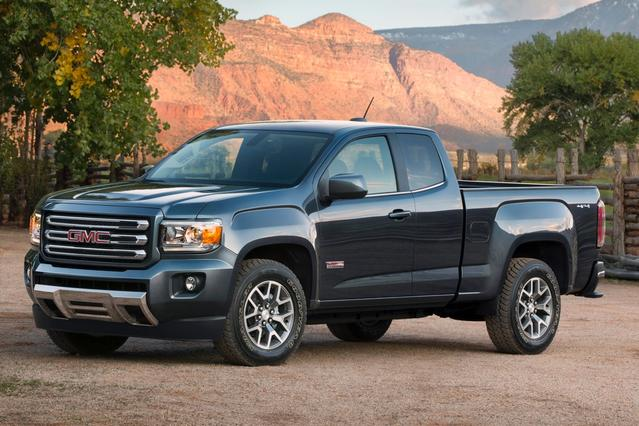 2016 GMC Canyon SLT Slide 0