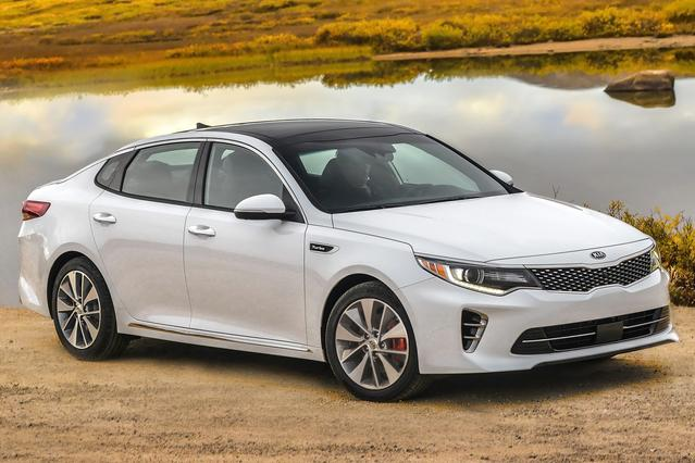 2016 Kia Optima EX 4dr Car Slide 0