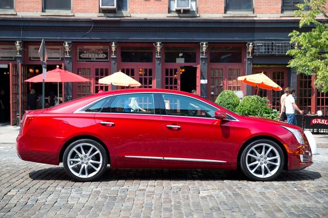 2017 Cadillac XTS LUXURY Slide 0