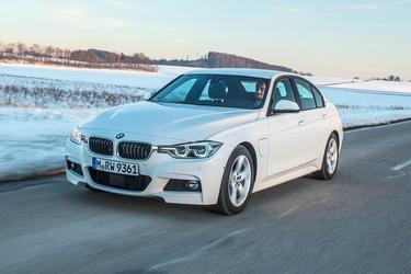 2017 BMW 3 Series 320I XDRIVE Sedan Slide