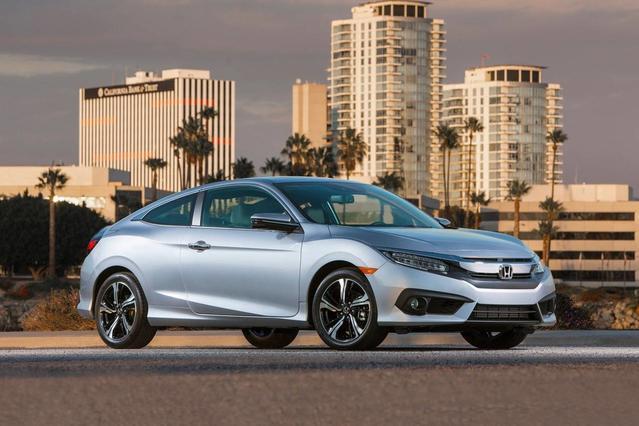 2017 Honda Civic EX-T 4D Sedan Slide 0