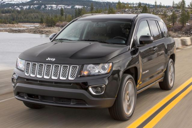 2015 Jeep Compass SPORT Slide 0