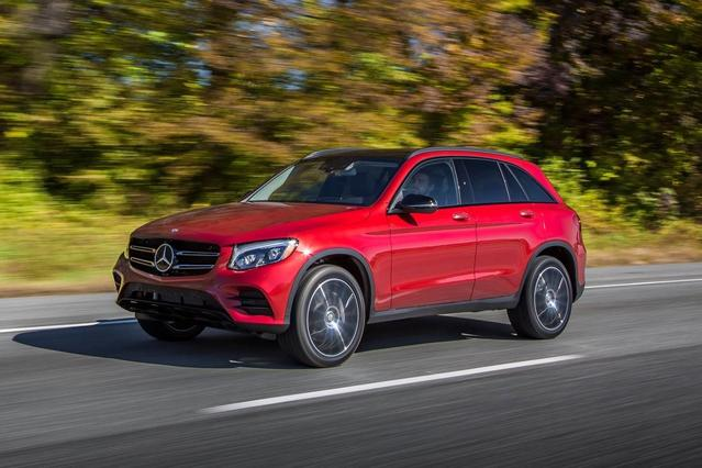 2017 Mercedes-Benz GLC 300 SUV Slide 0