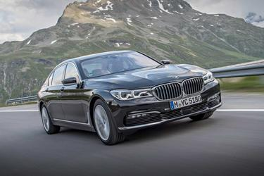 2017 BMW 7 Series 740I Sedan Slide