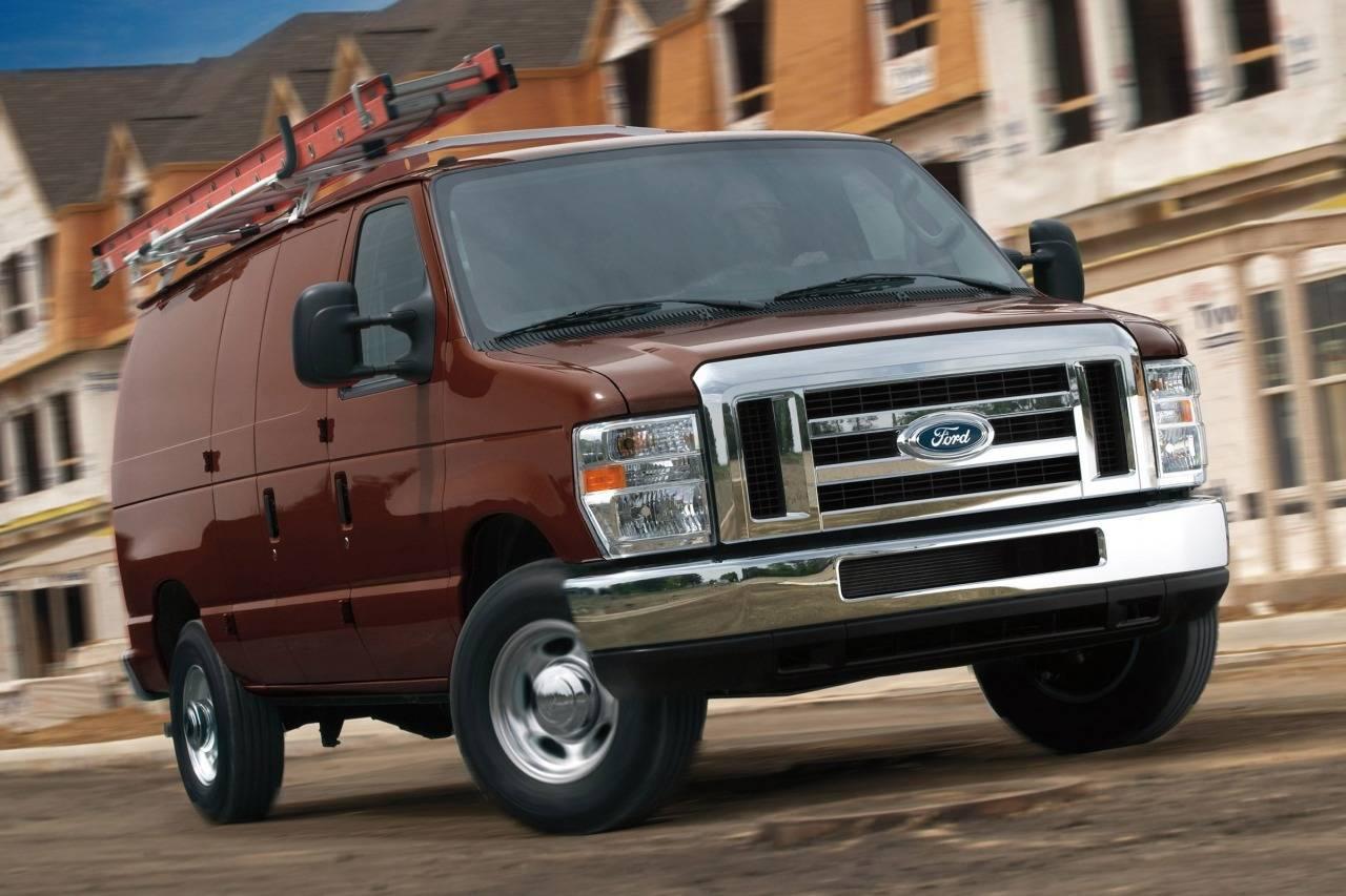 2013 Ford Econoline Cargo Van COMMERCIAL/RECREATIONAL Full-size Cargo Van Slide 0