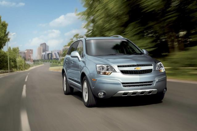 2014 Chevrolet Captiva Sport Fleet LT SUV Slide 0
