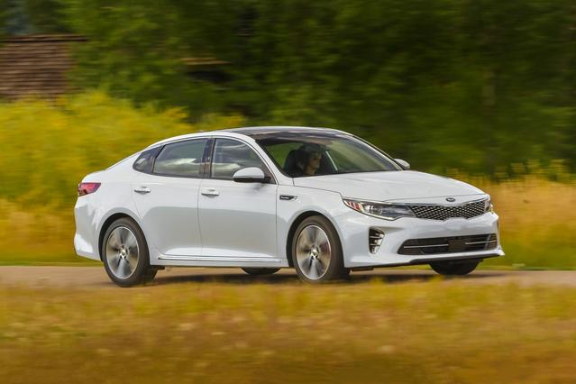 2017 Kia Optima LX 4dr Car Slide 0