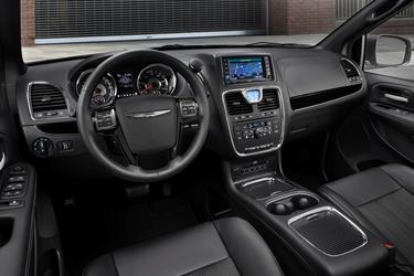 2014 Chrysler Town & Country LIMITED Minivan Hillsborough NC