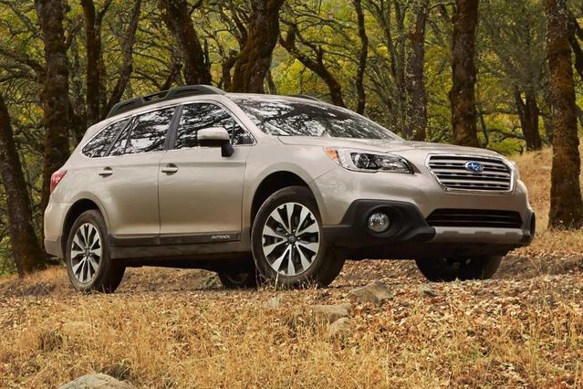 2017 Subaru Outback 3.6R SUV Slide 0